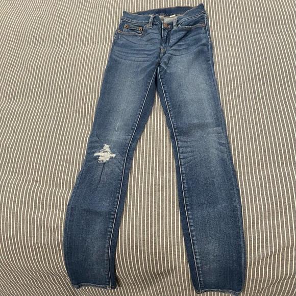 J crew Skinny blue jeans. Size 25